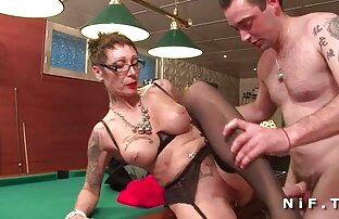 ビルダーは、修理後に台所に大人の叔母を移動します 鈴木 一徹 女性 用